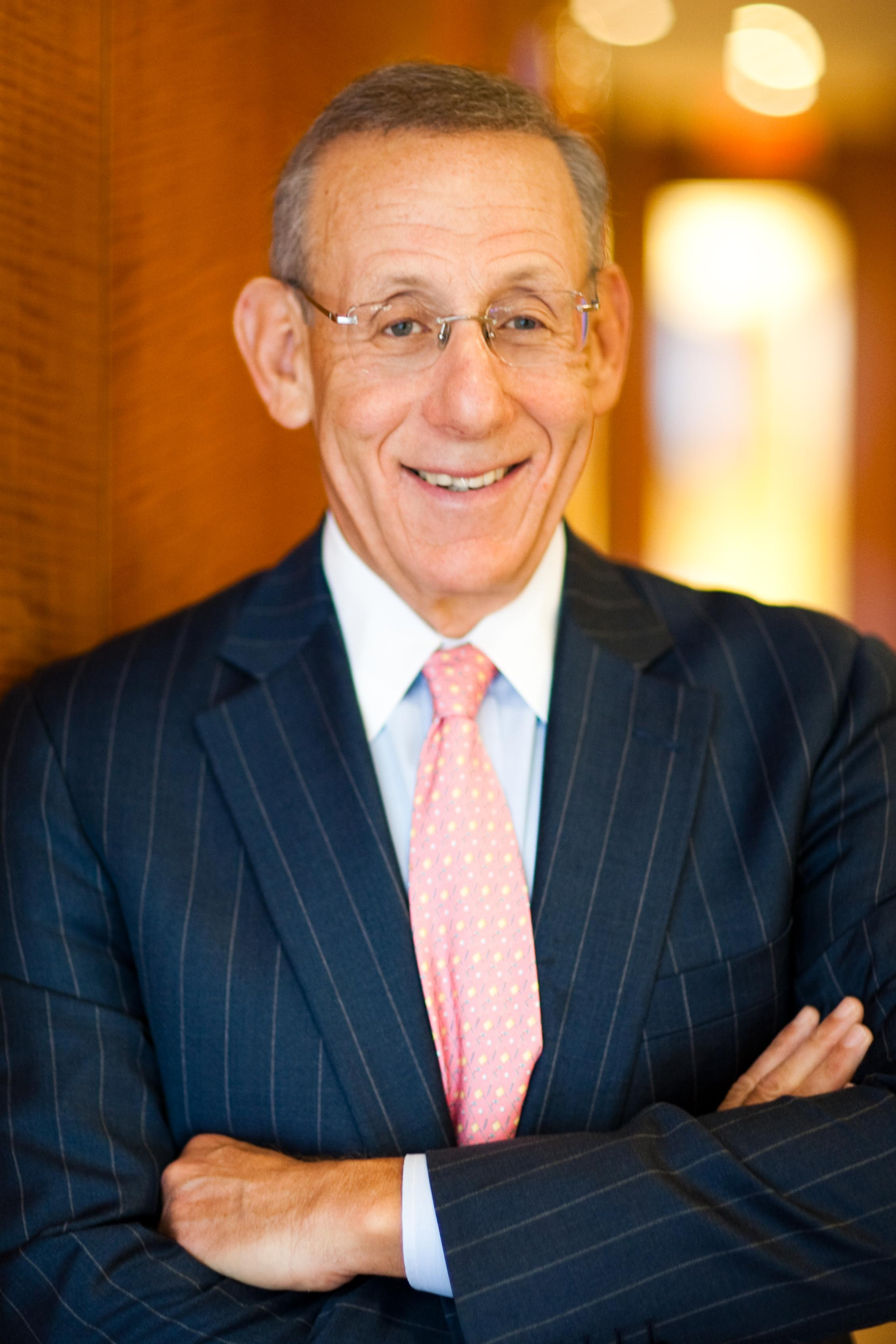 Stephen Ross Headshot